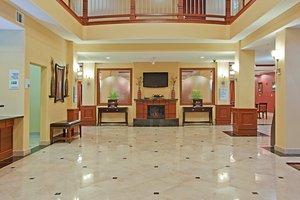 Lobby - Holiday Inn Express Hotel & Suites Vidor