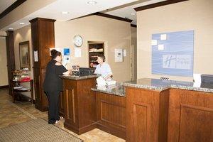 Lobby - Holiday Inn Express Hotel & Suites Mason City