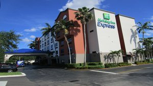 Exterior view - Holiday Inn Express Hotel & Suites Davie