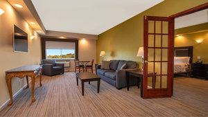 Suite - Holiday Inn Express Stony Brook Centereach