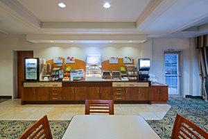 Restaurant - Holiday Inn Express Hotel & Suites Ottawa