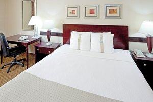 Room - Holiday Inn Carteret