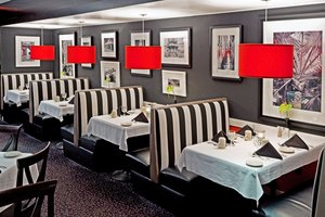 Restaurant - Holiday Inn Carteret