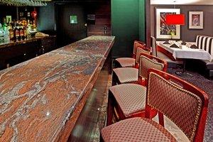 Bar - Holiday Inn Carteret