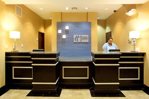 Lobby - Holiday Inn Express Eunice