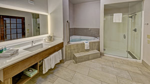 Suite - Holiday Inn Express Hotel & Suites I-45 Corsicana