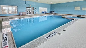 Pool - Holiday Inn Express Hotel & Suites I-45 Corsicana