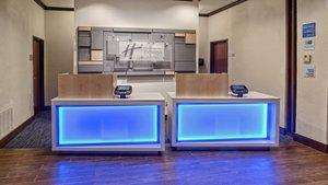Lobby - Holiday Inn Express Hotel & Suites I-45 Corsicana
