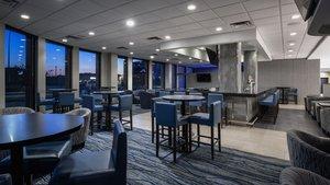 Bar - Holiday Inn Winnipeg Airport West