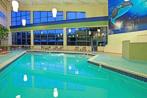 Pool - Holiday Inn Gateway Centre Flint