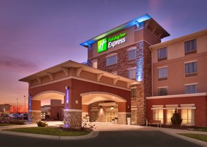 Exterior view - Holiday Inn Express Hotel & Suites Overland Park