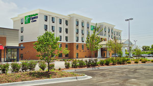 Exterior view - Holiday Inn Express Hotel & Suites Hillside