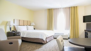 Room - Candlewood Suites Bay City