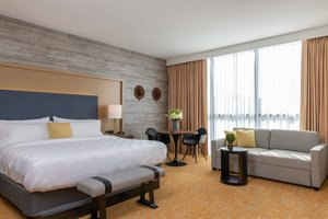 Suite - Holiday Inn Hotel & Suites Downtown Nashville