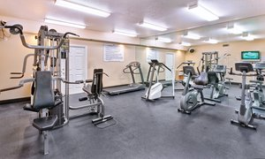 Fitness/ Exercise Room - Dolphins Cove Resort Anaheim