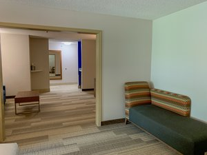 Suite - Holiday Inn Express Northwest Lexington