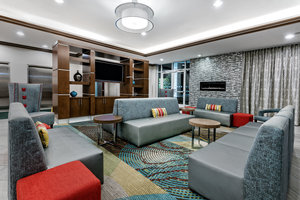 Lobby - Holiday Inn Hotel & Suites College Station