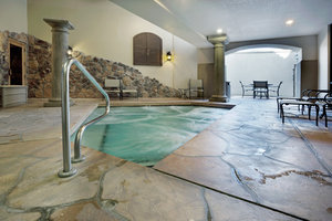 Spa - Holiday Inn Express Hotel & Suites Marina