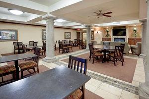 Restaurant - Holiday Inn Express Hotel & Suites Marina