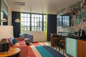 Suite - Hotel Indigo Downtown Madison