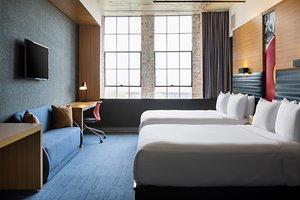 Room - Aloft Hotel Dallas