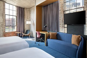 Suite - Aloft Hotel Dallas