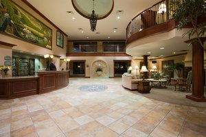 Lobby - Holiday Inn Hotel & Suites Lakeville
