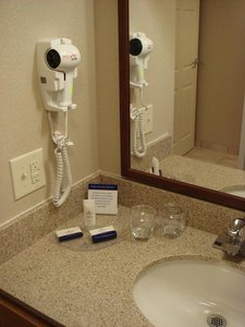 - Candlewood Suites City Center Indianapolis