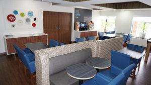 Restaurant - Holiday Inn Express Hotel & Suites Greensboro