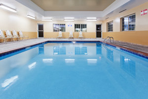 Pool - Candlewood Suites Lexington