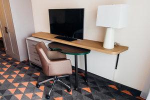 Room - Holiday Inn Hotel & Suites Mesa