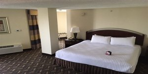 Room - Crowne Plaza Hotel North Central Austin