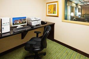 proam - Holiday Inn Express Hotel & Suites Newport