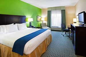 Room - Holiday Inn Express Hotel & Suites Newport