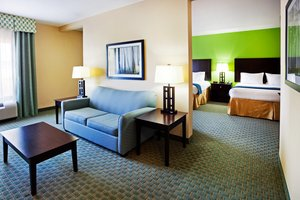 Suite - Holiday Inn Express Hotel & Suites Newport