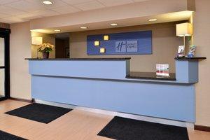 Lobby - Holiday Inn Express North Attleboro