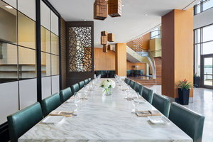 Restaurant - Westin National Harbor Hotel