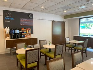 proam - Holiday Inn Express Hotel & Suites Hialeah