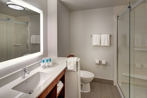 - Holiday Inn Express Hotel & Suites Thornhill