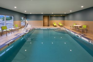 Pool - Holiday Inn Express Hotel & Suites Thornhill