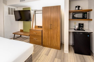 Suite - Holiday Inn Express Hotel & Suites Avenel