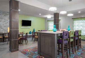 Restaurant - Holiday Inn Express Hotel & Suites Ames