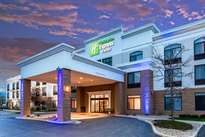 Exterior view - Holiday Inn Express Hotel & Suites Cedar Falls