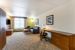 Suite - Holiday Inn Express Hotel & Suites Cedar Falls