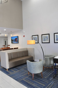 Lobby - Holiday Inn Express Hotel & Suites Lake Forest