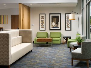 Lobby - Holiday Inn Express Hotel & Suites Junction