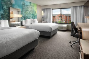 Room - Courtyard by Marriott Hotel at the Capital Indianapolis