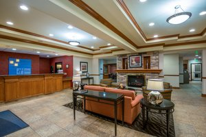 Lobby - Holiday Inn Express Hotel & Suites Vernal