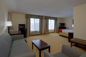 Suite - Holiday Inn Express Hanes Mall Winston-Salem