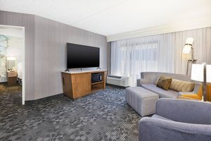 Suite - Courtyard by Marriott Hotel Secaucus